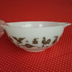 Vintage 60's Pyrex 443 Early American Mixing Bowl